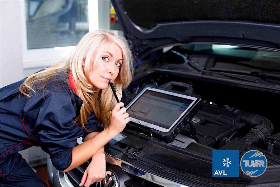 دیاگ خودروی خارجی  AVL